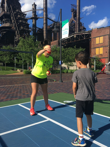 whats the best age for kids to start training tennis ...